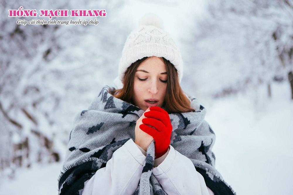 Người bệnh huyết áp thấp dễ bị nhiễm lạnh vào mùa đông